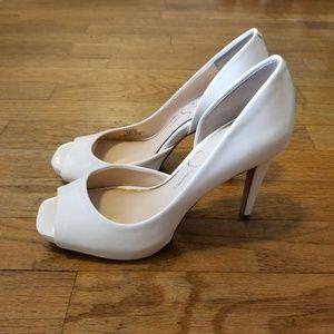 Jessica Simpson white patent leather peeptoe pumps